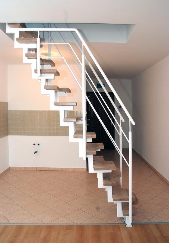 Helytakarékos lépcső - Stadler Lépcső Kft.