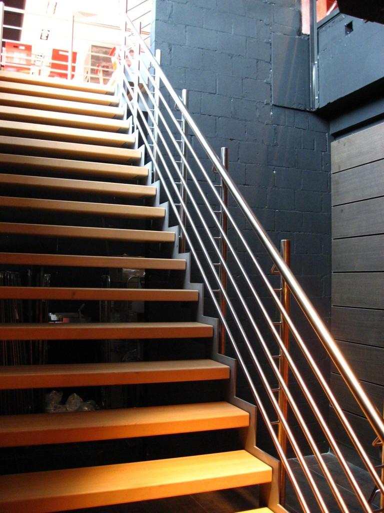 Ipari vagy közületi lépcsők - Stadler Lépcső Kft.