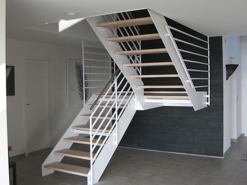 Acél lépcső - Stadler Lépcső Kft.