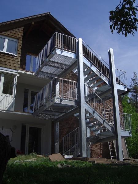 gyors menekülés kültéri lépcsővel